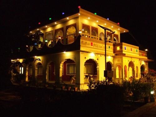 Inde 2014- Jour 8- Village Achrol-soirée-suite