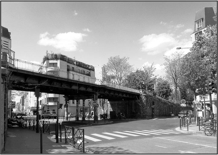 Les Ponts de la ligne ferroviaire de la Petite-Ceinture.