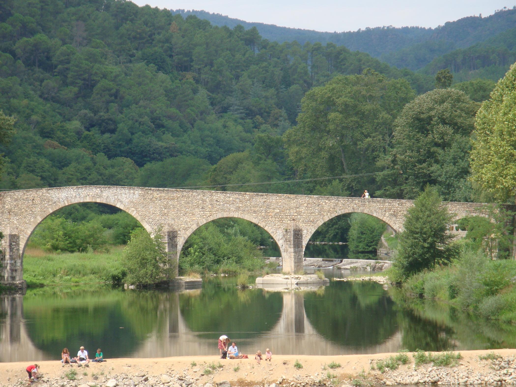 Le Gardon, belle rivière pour les pécheurs mais aussi pour les baigneurs.