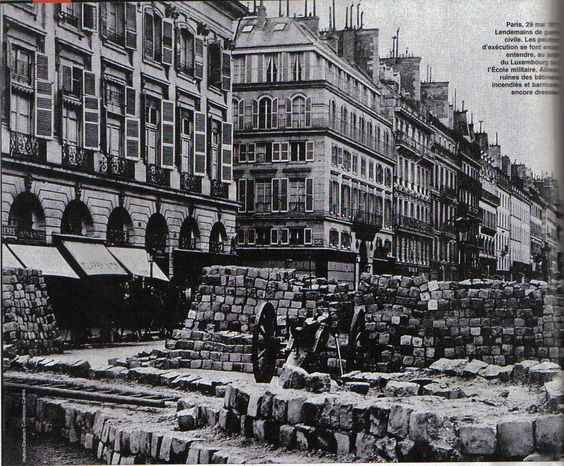 Paris commune barricade: