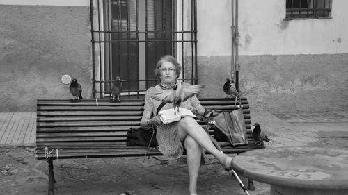 6- Les vieilles dames et la lecture