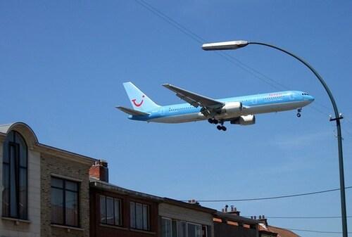 Wolu1200 : Pourquoi les avions sont-ils si bruyants au-dessus de notre commune ?