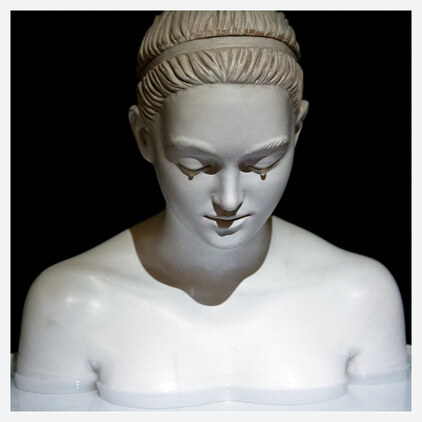 09- Les femmes qui pleurent- sculptures