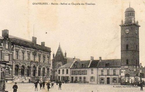 Gravelines, Mairie - Beffroi et Chapelle des Ursulines