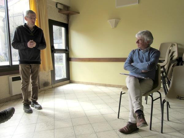 Philippe Bertrand, journaliste à France-Inter a présenté une conférence à Origny sur Seine sur l'Econome Sociale et solidaire