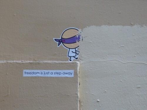 Street-art Montmartre bonhomme message 60346