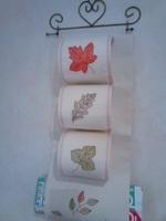 rangement toilettes feuilles d'automne
