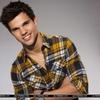 Taylor Lautner pour SNL
