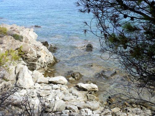 Toujours cette côte aux eaux claires et turquoises ....