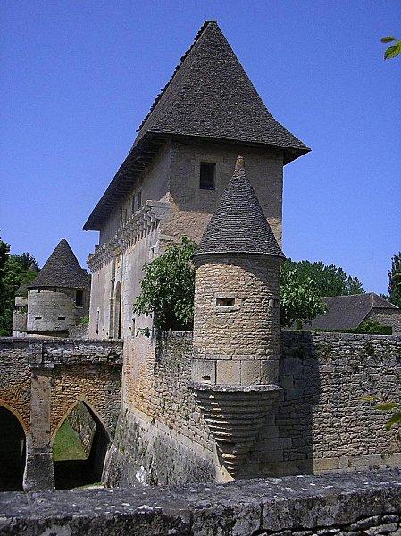 Tour-du-Chateau-de-Losse-Juin-2006.jpg