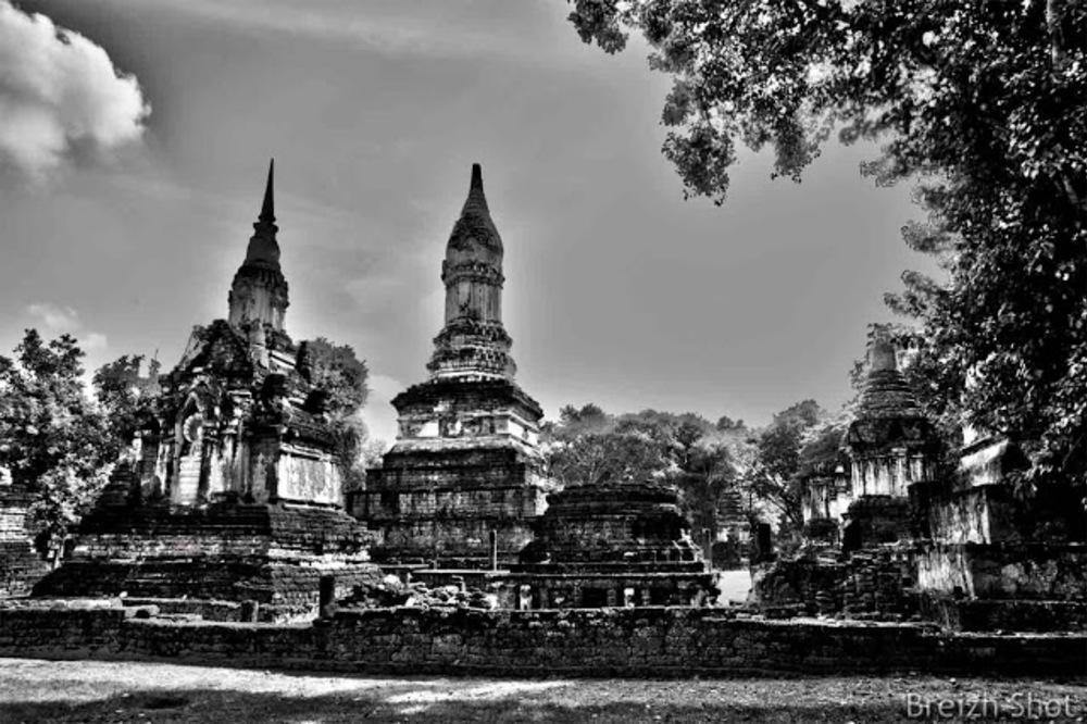 Wat Chedi Chet Thaeo, Si Satchanalai - Les chedis