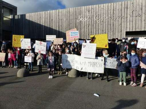 Un premier rassemblement avait mobilisé 150 habitants de Plozévet (Finistère) et sympathisants début février. 2021