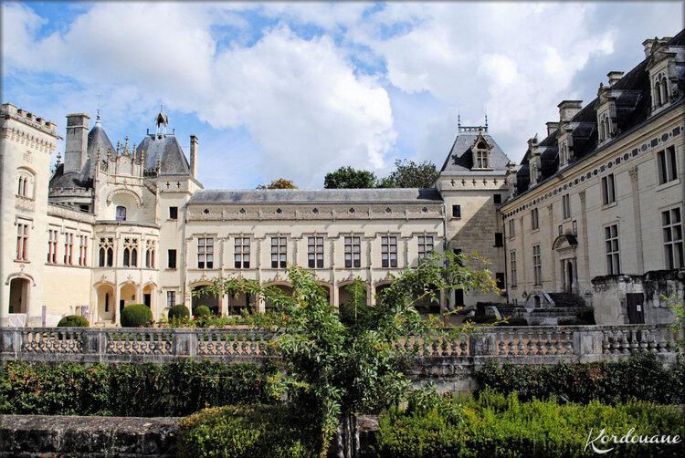 Photos du Château de Bréze, un Château de la Loire