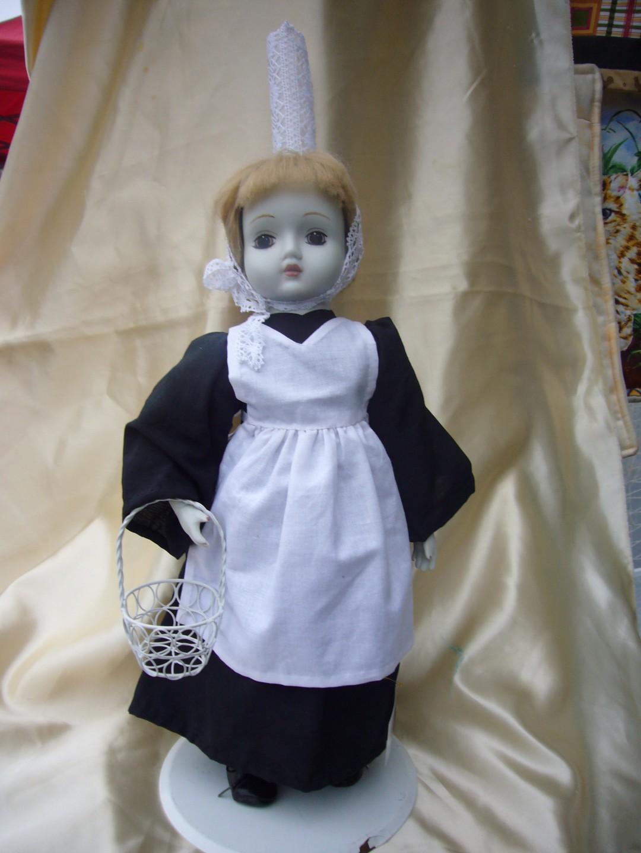 """""""""""""""LES TROUVAILLES: Une poupée ancienne :coiffe Bretonne"""""""""""""""