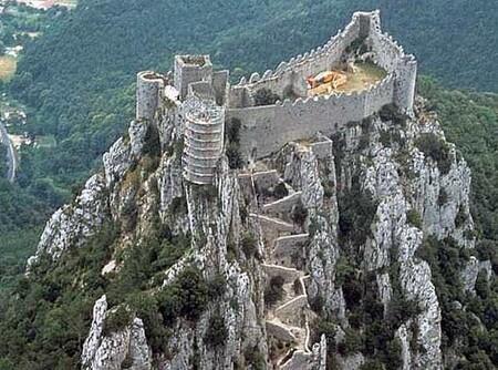 Les châteaux et vous RdUGV4Cx9lQlkTtWVho32JhweKY@450x334