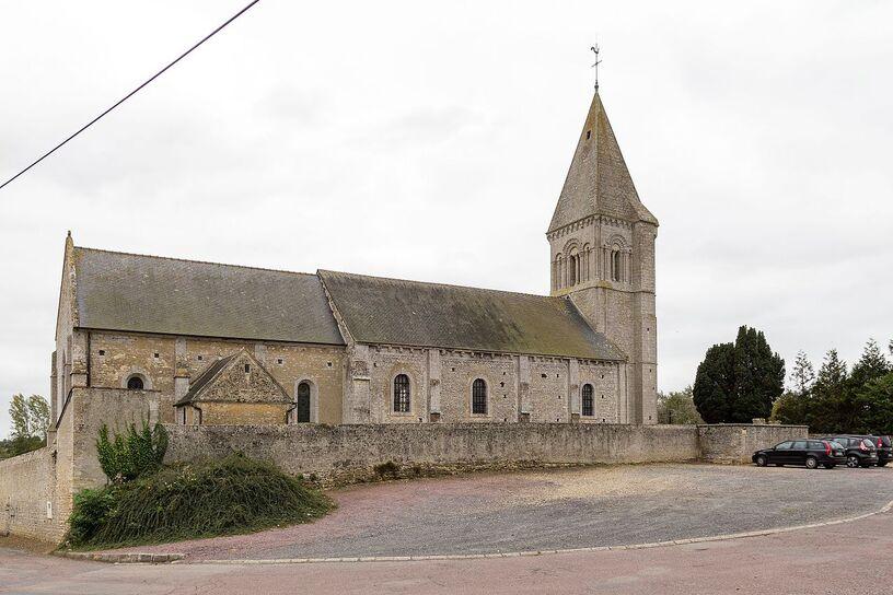 Église Saint-Pierre, Vienne-en-Bessin, France.jpg