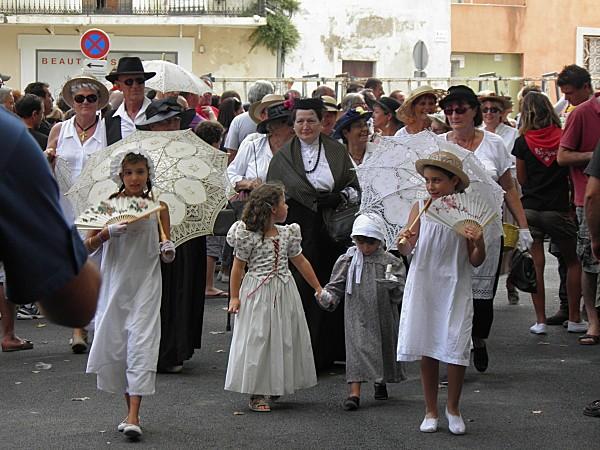 Défilé à l'ancienne à Lunel(34)