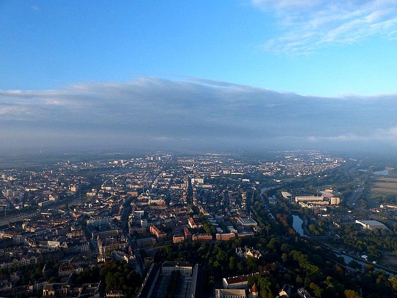 Metz / Montgolfiades 2015 / Vol au dessus de Metz dans la brume...