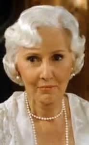 Barbara Stanwyck = Mary Carson