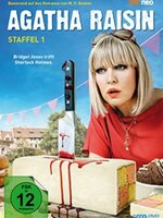 Agatha Raisin : Agatha Raisin est une professionnelle spécialisée dans les relations publiques qui décide d'abandonner sa vie à Londres dans l'espoir de prendre un nouveau départ dans le village faussement calme de Carsley. Elle se retrouve très vite impliquée dans différentes affaires et commence à résoudre des mystères pour les habitants du village. ... ----- ... la serie : Britannique  Saison : 2 saisons  Episodes : 9 épisodes  Statut : En cours  Réalisateur(s) : M. C. Beaton  Acteur(s) : Ashley Jensen, Jamie Glover, Lucy Liemann  Genre : Comedie, Policier  Critiques Spectateurs : 3.1