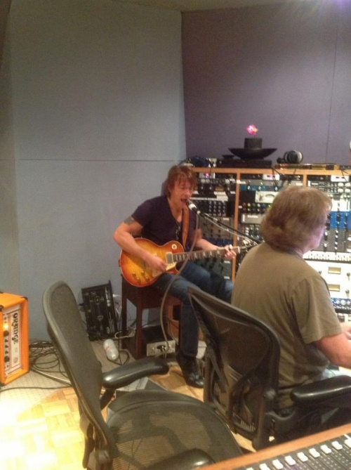 Richie collabore sur le prochain album de Heaven & Earth ...