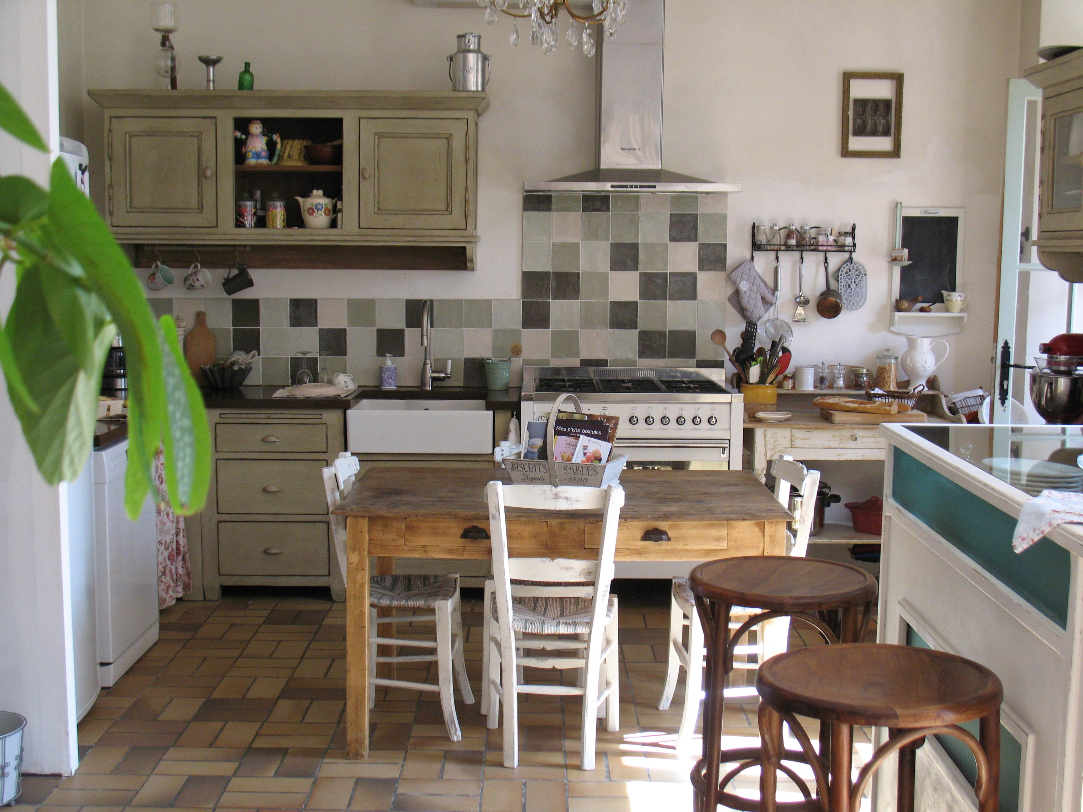 La cuisine : vue d'ensemble   sandy's inspiration