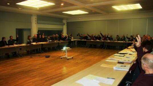 Par 40 voix et trois abstentions, la communauté de communes de Pleyben-Châteaulin-Porzay a choisi d'appartenir au pays de Brest.