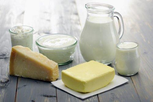Produits laitiers entiers