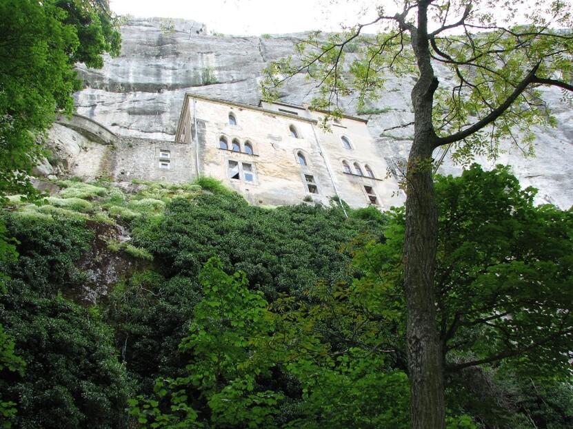 freres dominicains sainte baume grotte marie madeleine
