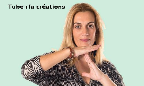 TUBES FEMME ET SABLIER  - FEMME DISANT C'EST ASSEZ!