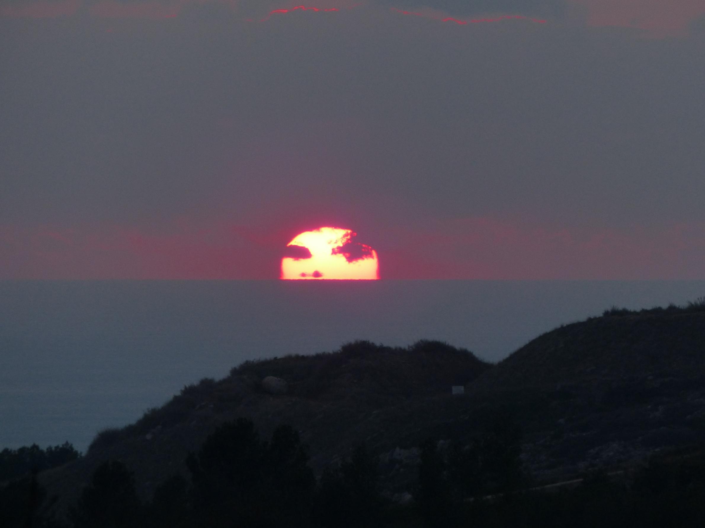 canigou devant le Soleil