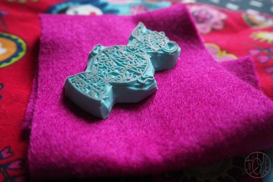 Tampon samovar et petit accessoire brodé...
