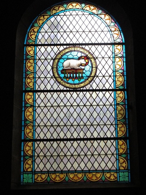 Les vitraux originaux de l'église Saint-Laurent de Sainte Colombe sur Seine
