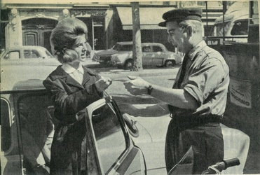 1963 : les chemisiers brodés.