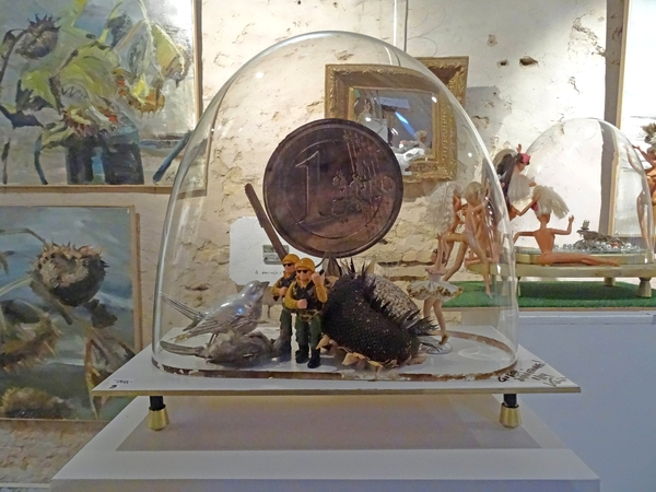 Petits et grands formats, une exposition des œuvres de quatre artistes, chez Karin Neumann...