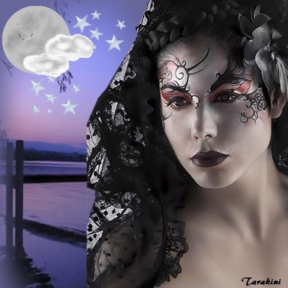 femme aux yeux tatoués