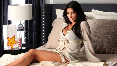 K. Kardashian prévenue par un fantôme de son attaque à Paris
