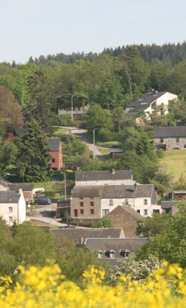 5 . la maison dans le village de Tellin !