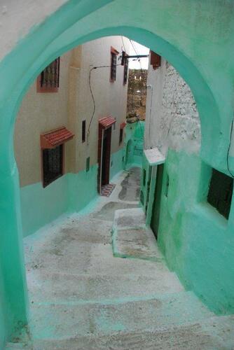 Toujours de petites rue peintes en vert