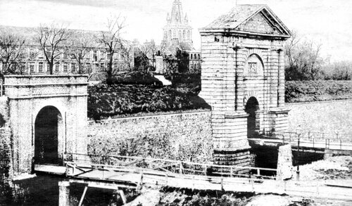 Les immeubles cossus de la rue Richelieu d'avant-guerre