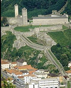 Castelgrande-e-murata-grand