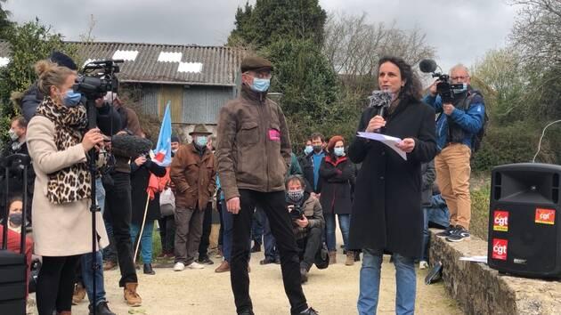 Morgan Large a pris la parole lors du rassemblement de soutien ce mardi 6avril à Rostrenen.