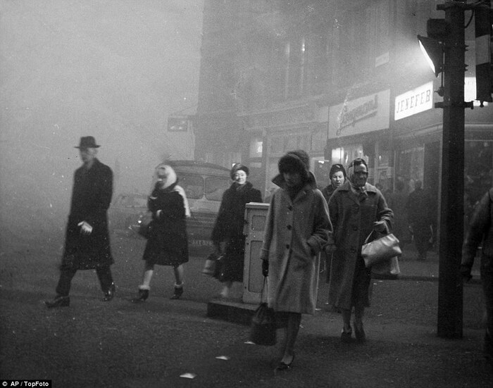 Catastrophes Étranges - Le Grand Smog De Londres En 1952