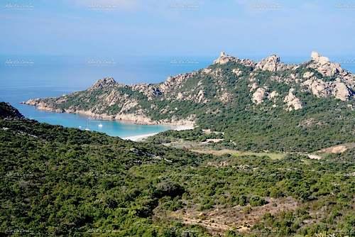 Roccapina : sa tour génoise et son lion (Corse)
