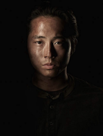 Season-4-Cast-Portrait-Glenn-the-walking-dead-35644192-380-500
