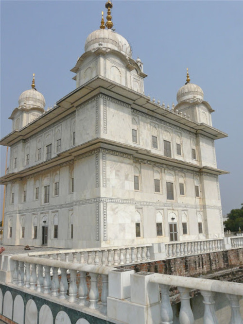 Bandichor Gurdwara; temple sikh érigé en 1970 à Gwalior;