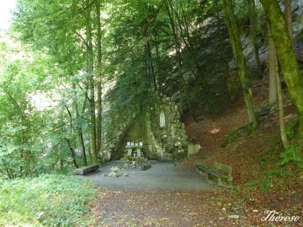 Grotte-mariale-de-Levaud--5-.JPG