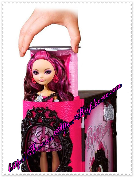 photo-commercial-briar-beauty-throne-coming-doll-playset (4)