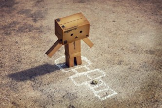 1-cute-funny-danbo-cardboard-box-art-lonely-hopscotch