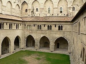 Avignon PPapes cloitre 082005